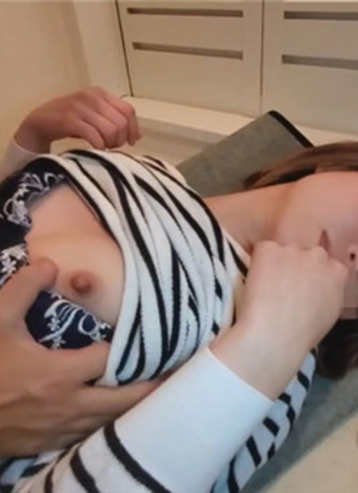 FC2 PPV 1253824 [Individual] A delicate married woman who can not repay a large amount of debt and is vulnerable to others and vaginal cum shot