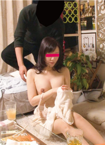 FC2 PPV 1260181 [100 limited special price] [Individual] Capture a tall beautiful slender wife who can not be thought of as a fifty with Nampa. Leaked fair-skinned body, cum shot leaked video Ayumi's 55-year-old 168 cm