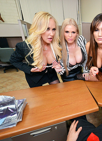 Naughty America VR Becky Bandini Brandi Love Casca Akashova have their way with their hung co-worker VR